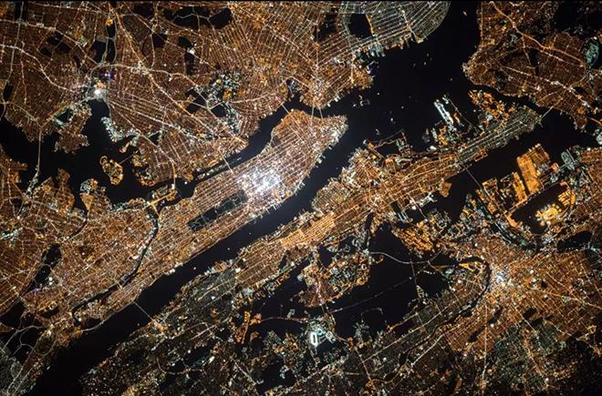 更智慧的城市 更持续的户外广告 5.webp.jpg