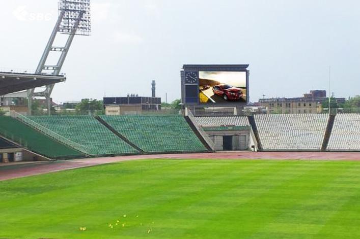 户外运动场_上海高校室外运动场看板中国广告网户外频